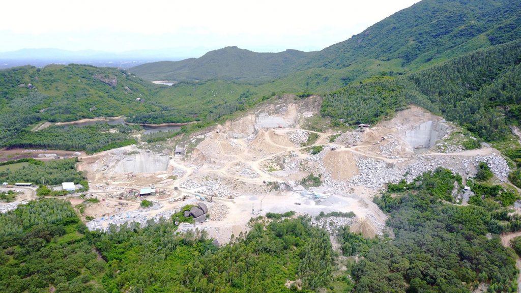 Mỏ đá tím Phù Cát