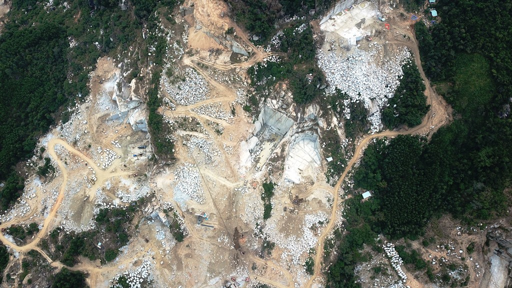 PM WHITE GRANITE QUARRY
